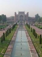 looking from taj towards the entrance gateway